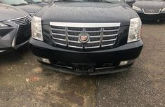 Sell well kept 2012 Cadillac Escalade automatic at price ₦20,000,000