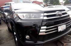 Need to sell cheap used 2018 Toyota Highlander at mileage 0 in Lagos