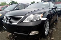 Need to sell high quality black 2008 Lexus LS automatic in Lagos