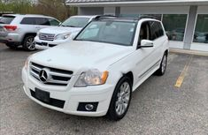 Very sharp neat white 2010 Mercedes-Benz GLK automatic for sale