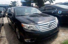 Sell used 2012 Toyota Avalon sedan automatic