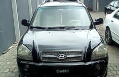 Clean and neat black 2006 Hyundai Tucson for sale