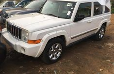 Selling 2006 Jeep Commander automatic in good condition at price ₦3,700,000