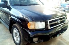 Sell well kept 2001 Nissan Pathfinder in Abuja