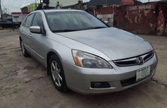 Selling grey 2005 Honda Accord automatic at price ₦850,000