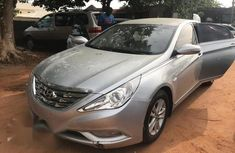 Sell well kept 2013 Hyundai Sonata automatic at price ₦1,650,000