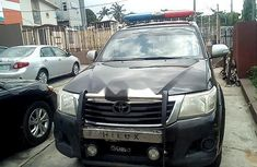 Best priced black 2013 Toyota Hilux automatic