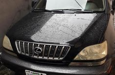 Need to sell high quality 2002 Lexus RX at price ₦1,500,000 in Lagos