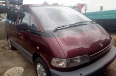 Need to sell red 2000 Toyota Previa at price ₦1,850,000 in Lagos