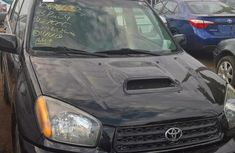 Sell used 2003 Toyota RAV4 automatic at mileage 184,000 in Lagos