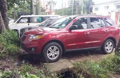 Well maintained 2010 Hyundai Santa Fe for sale at price ₦4,000,000