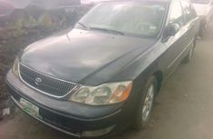 Need to sell cheap used 2000 Toyota Avalon at mileage 86,000 in Lagos