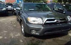 Selling grey/silver 2008 Toyota 4-Runner suv / crossover automatic in Lagos