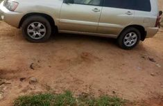 Selling other 2002 Toyota Highlander automatic in good condition in Abuja