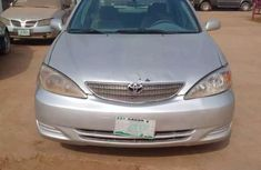 Clean and neat grey 2004 Toyota Camry