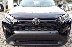 Selling 2019 Toyota RAV4 suv automatic in good condition
