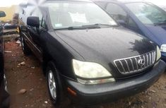 Need to sell high quality 2002 Lexus RX suv automatic in Lagos