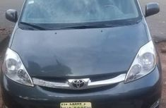 Well maintained 2007 Toyota Sienna automatic at mileage 73,672 for sale