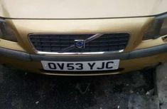 Sharp yellow 2005 Volvo S60 sedan automatic for sale
