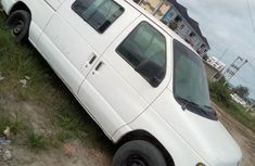 Need to sell used 2004 Ford Econoline automatic in Lagos at cheap price