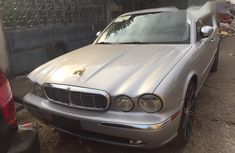 Sell grey/silver 2004 Jaguar XJ in Ikeja at cheap price