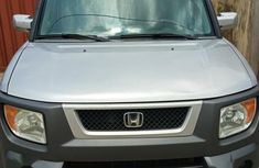 Need to sell used 2004 Honda Element in Lagos at cheap price