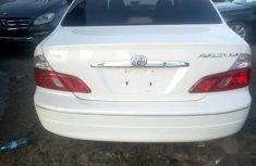 Toyota Avalon 2003 White