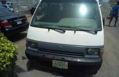 White 2000 Toyota HiAce manual for sale in Lagos