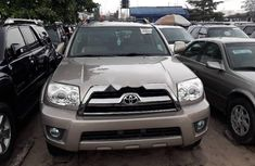 Sell used gold 2008 Toyota 4-Runner suv / crossover automatic