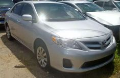 Selling 2009 Toyota Corolla automatic in good condition