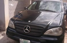 Clean black 2004 Mercedes-Benz M-Class automatic car at attractive price