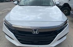 Sell cheap white 2018 Honda Accord automatic in Lagos