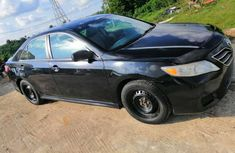 Selling 2010 Toyota Camry automatic in good condition