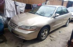 Sell gold 2001 Honda Accord automatic in Lagos at cheap price