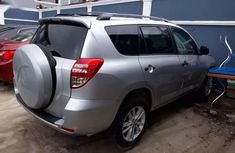 Need to sell high quality grey 2011 Toyota RAV4 automatic in Lagos