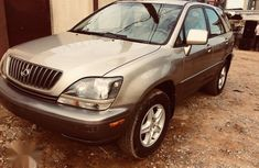 Sell neatly used 1999 Lexus RX at mileage 197,000