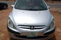 Certified grey 2002 Peugeot 307 automatic in good condition