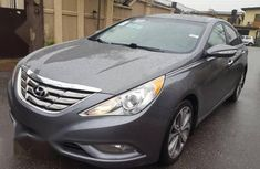 Need to sell high quality 2013 Hyundai Sonata automatic at mileage 83,225