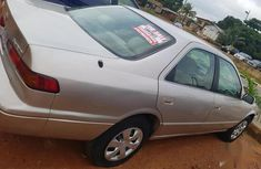 Need to sell gold 1998 Toyota Camry at price ₦1,250,000 in Lagos