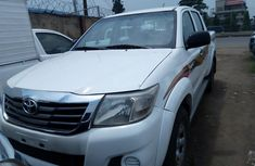 Sell authentic used 2013 Toyota Hilux in Lagos