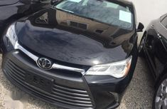 Selling black 2016 Toyota Camry sedan automatic at price ₦7,800,000