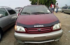 Selling 2003 Toyota Sienna sedan in good condition at price ₦1,850,000