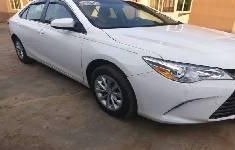 Sell white 2017 Toyota Camry sedan automatic