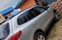 Neatly used grey/silver 2009 Hyundai Santa Fe automatic in Akure