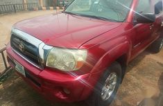 Selling 2007 Toyota Tacoma automatic in Lagos