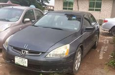 Sell well kept black 2004 Honda Accord automatic