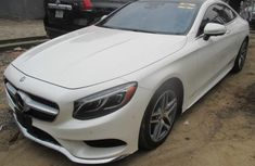 Need to sell high quality white 2015 Mercedes-Benz S550 automatic in Lagos