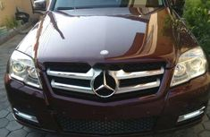 Sell well kept 2010 Mercedes-Benz GLK suv automatic at mileage