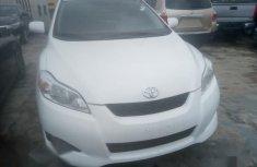 Toyota Matrix 2010 White for sale