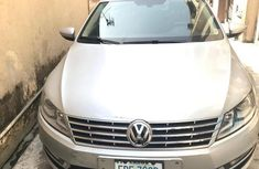 Selling 2013 Volkswagen Passat automatic in good condition at price ₦3,200,000